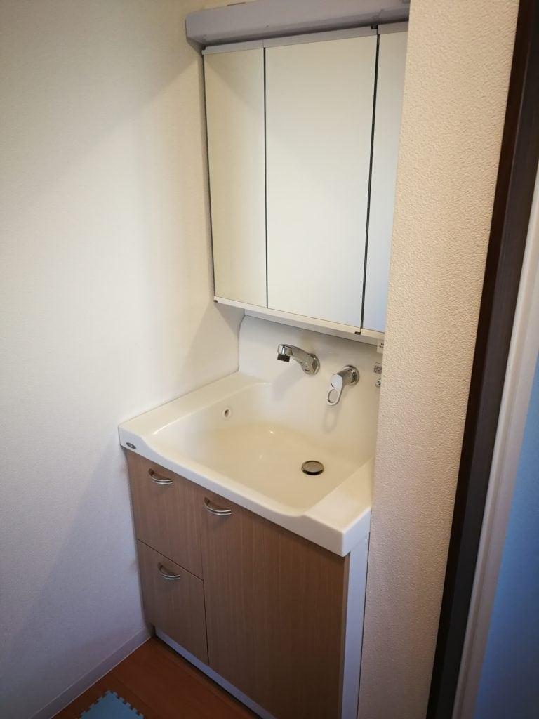 台 交換 洗面 DIYで洗面台の交換できた!洗面台の撤去と取り付け方法