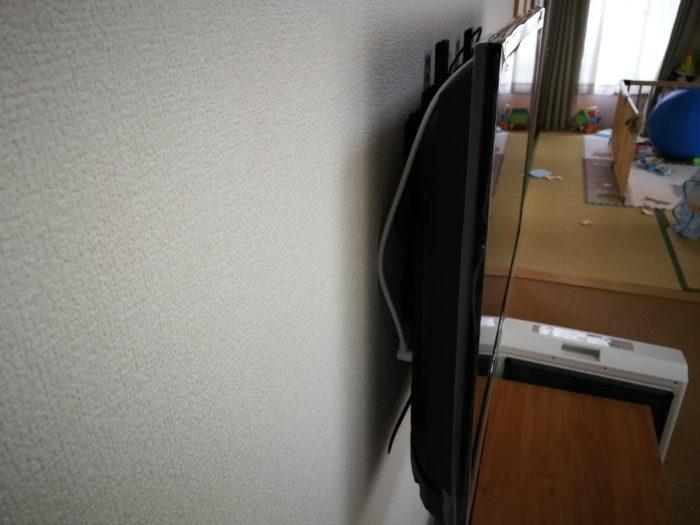 壁掛けテレビ 厚さ