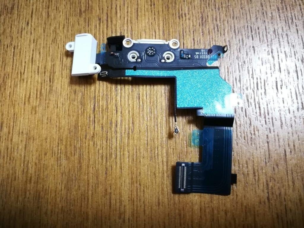 iphoneSE修理 ドックコネクタ