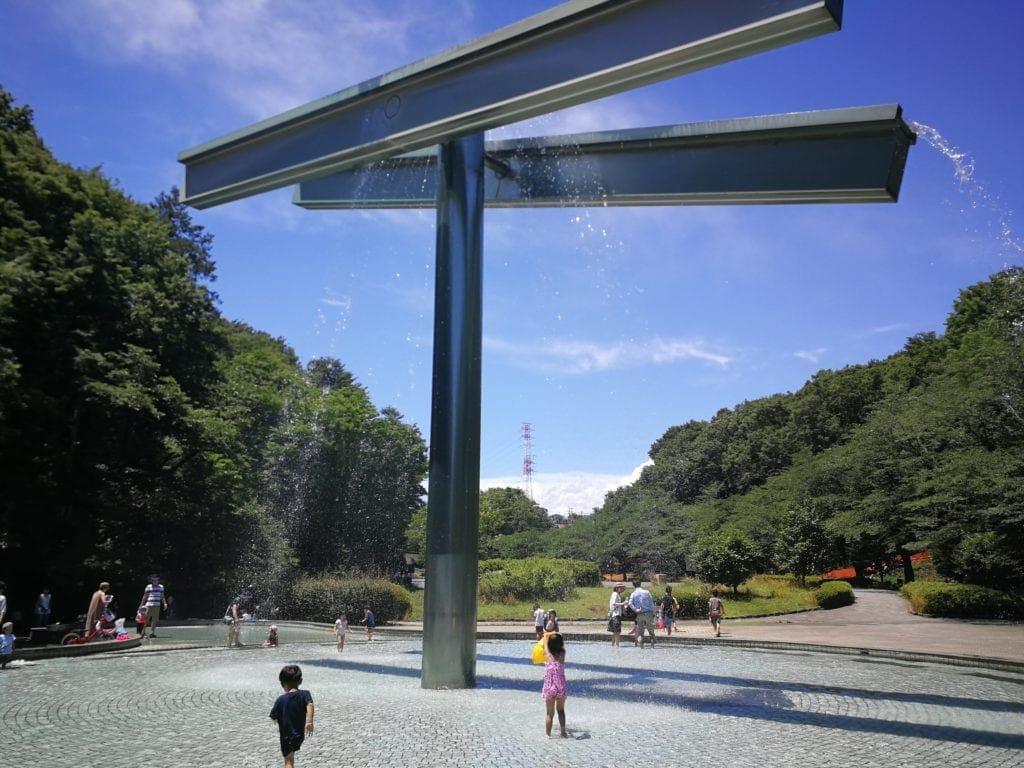 芹が谷公園の巨大噴水