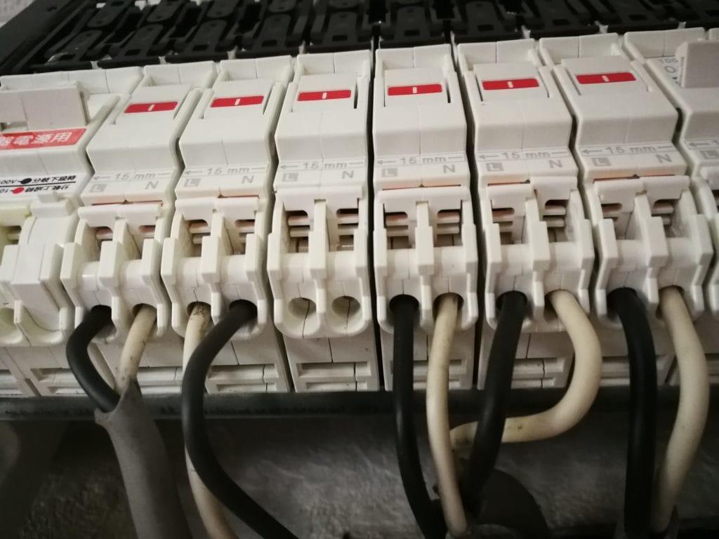 ブレーカー 接続
