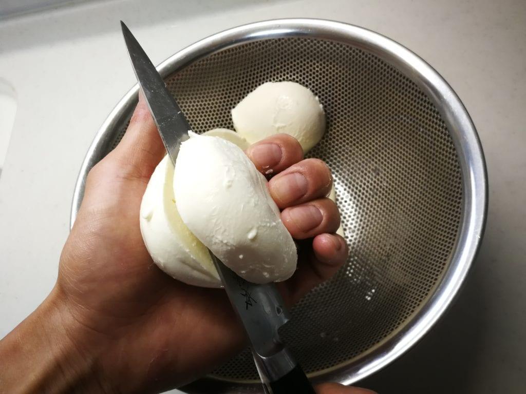 モッツァレラチーズ 仕込み