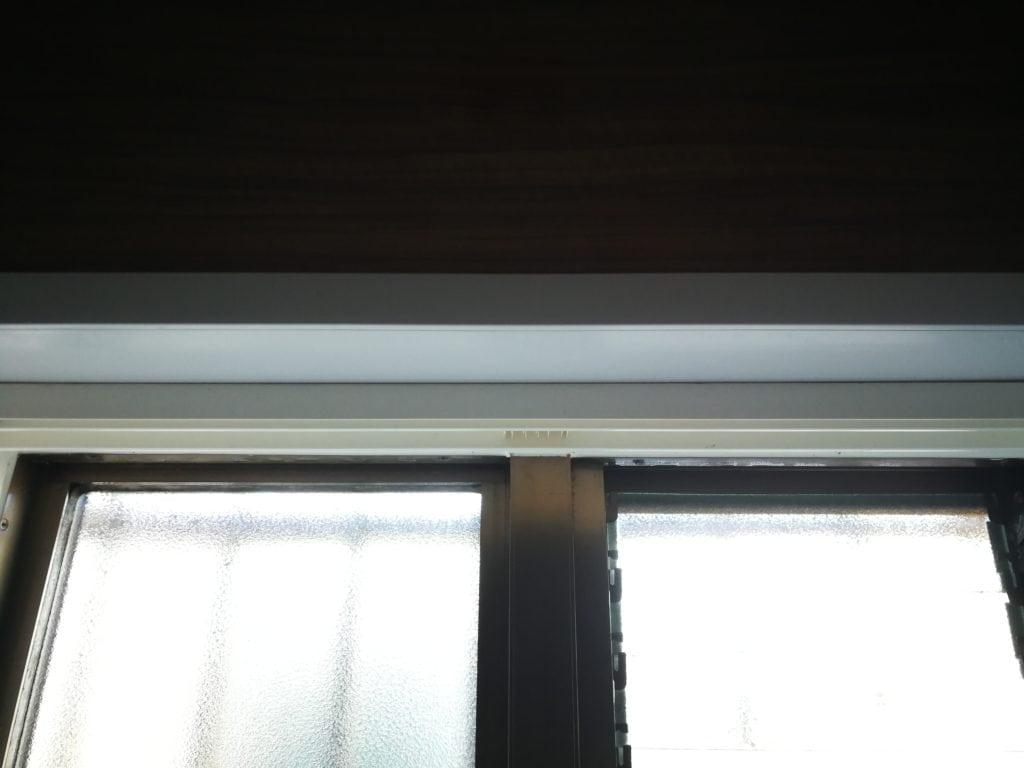 内窓上枠の仮固定