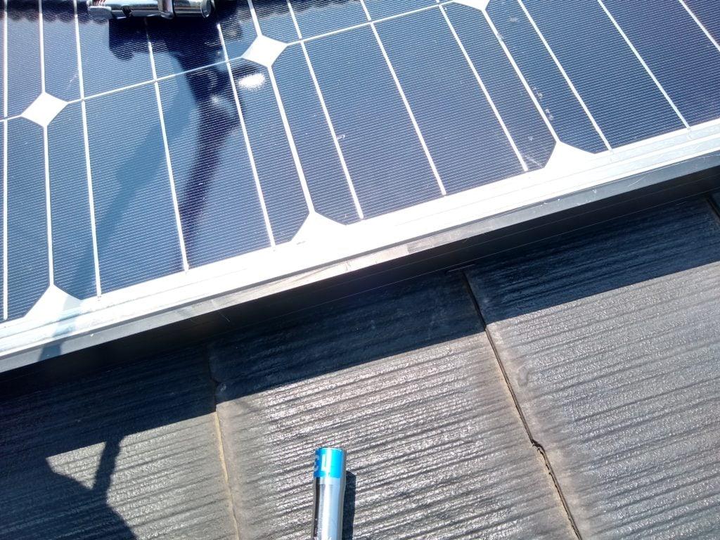 太陽光パネル ケーブル固定