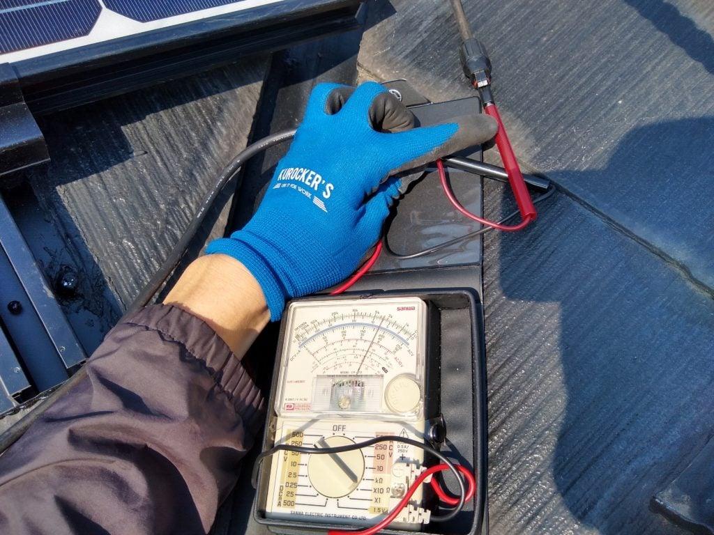 太陽光パネル 電圧確認