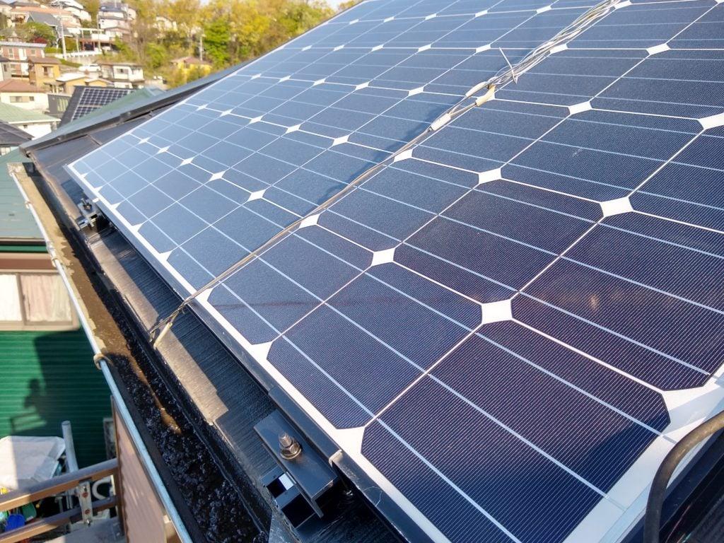 太陽光パネル 固定方法
