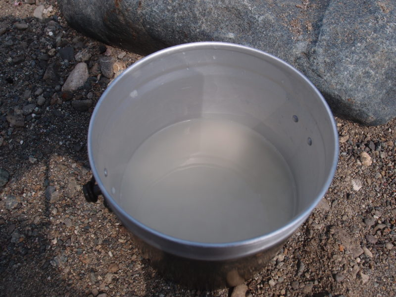 飯盒 浸水