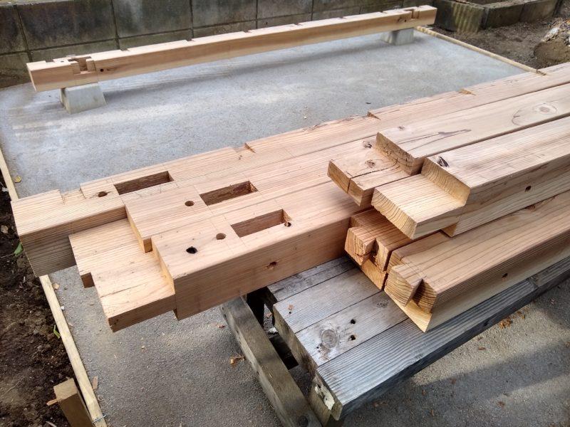 自転車置き場 木造