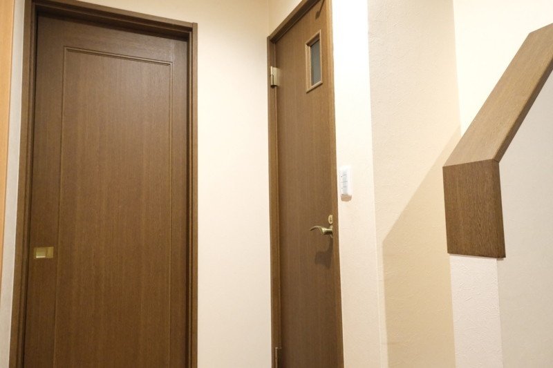 トイレの扉 交換前