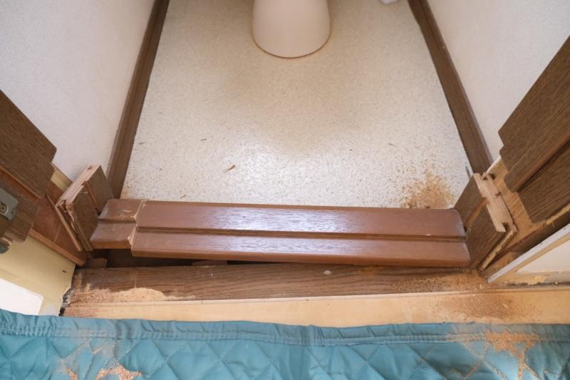 トイレ 入口 フローリング