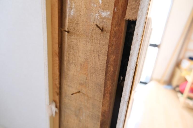 ドア枠 釘固定